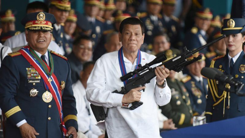 Rodrigo Duterte promete renunciar si alguien prueba que Dios existe