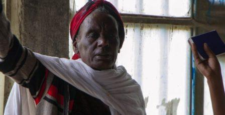 Hombre que se quedó ocho años sin andar dice ser curado por Jesús