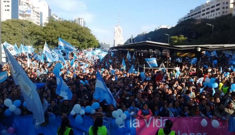 Más de 650 mil personas marcharon contra aborto en Argentina