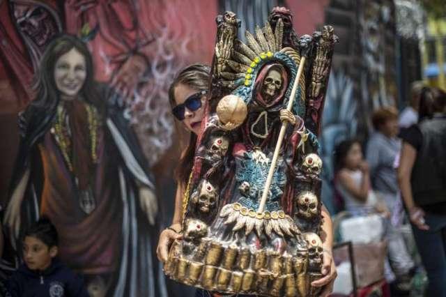 12 millones de personas le rinden culto a Santa Muerte