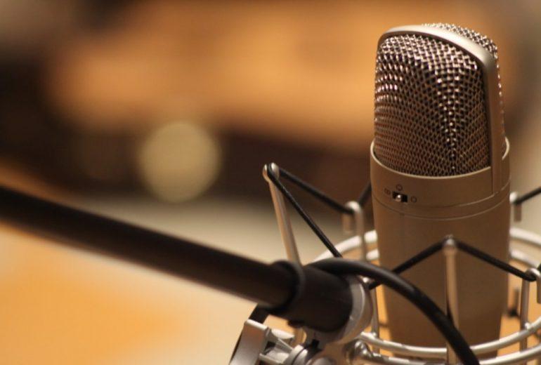 Periodista critica radio por supuesta entrevista con el diablo