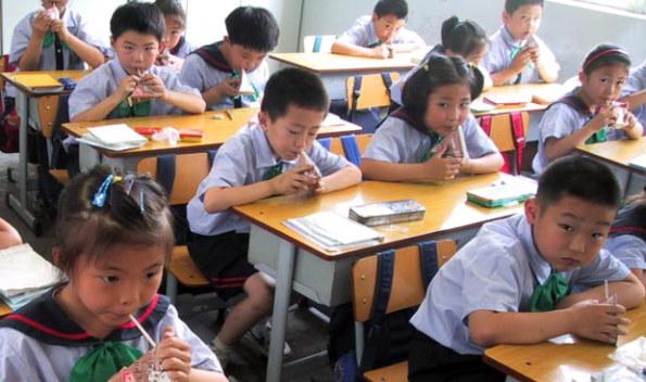 Niños cristianos chinos se ven obligados a negar su fe