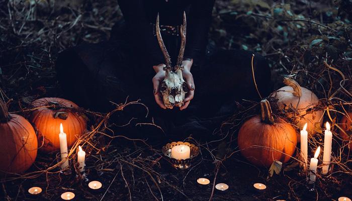"""Pastora a cristianos: """"¿Halloween trae gloria a Dios?"""""""