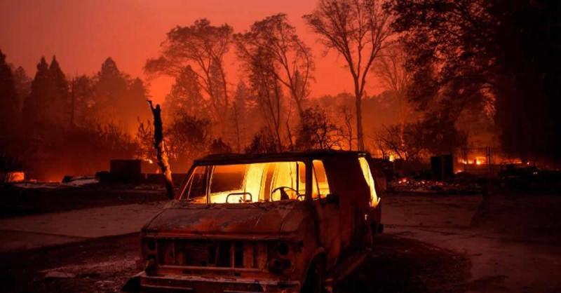 Pastor arriesga su vida para salvar de incendio a otras personas