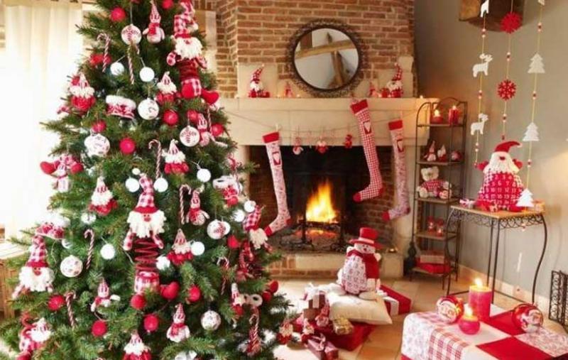 Pastor: ¿Montar árbol de Navidad da legalidad al diablo?