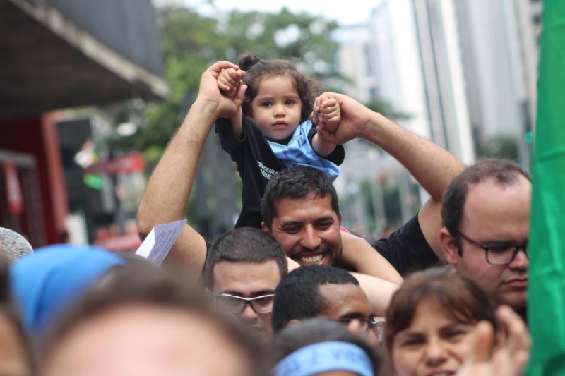 15 mil personas en Brasil marcharon por la vida