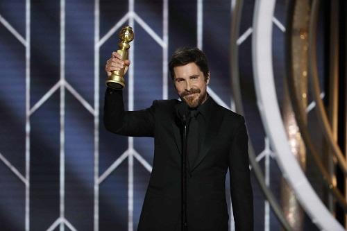 Christian Bale gana Globo de Oro y agradece a Satanás por la inspiración