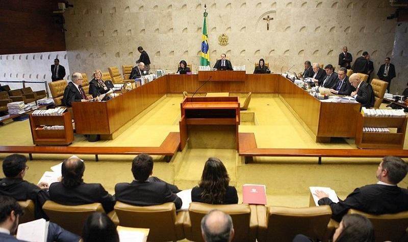 Tribunal brasileño quiere prohibir a pastores que prediquen contra homosexualidad