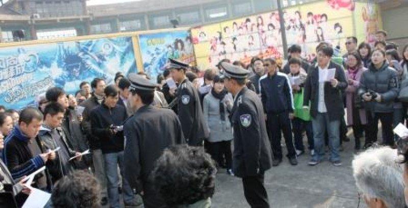 China cierra iglesia de mil miembros y cambia cerraduras para que fieles no entren